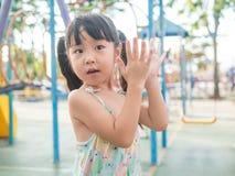 Criança asiática do bebê que joga no campo de jogos Fotos de Stock Royalty Free