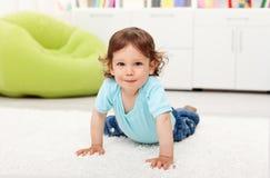 Criança bonita da criança em casa Fotografia de Stock Royalty Free