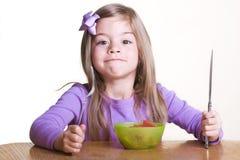 Criança bonito pronta para comer saudável Imagens de Stock Royalty Free