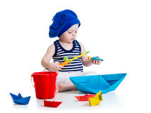 Criança bonito que joga a pesca Fotos de Stock Royalty Free