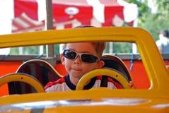 Criança com óculos de sol Imagens de Stock Royalty Free