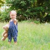 Criança com brinquedo Foto de Stock Royalty Free
