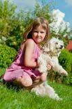 Criança com cão Imagem de Stock Royalty Free