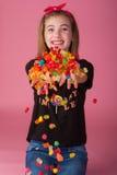 Criança com doces imagens de stock