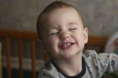Criança com expressão engraçada imagem de stock royalty free