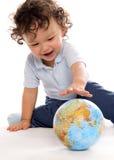 Criança com globo. Imagens de Stock