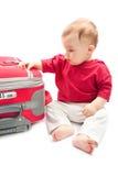 Criança com mala de viagem foto de stock royalty free