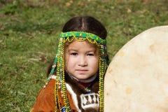 Criança com tambourine Fotografia de Stock Royalty Free