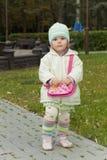 A criança com uma bolsa Imagem de Stock