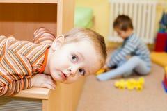 Criança curiosa Imagens de Stock