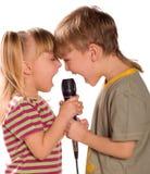 Criança de canto Imagens de Stock Royalty Free