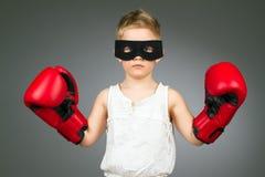 Criança de encaixotamento fotos de stock royalty free