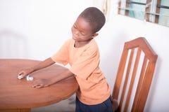 Criança de jogo feliz Foto de Stock Royalty Free