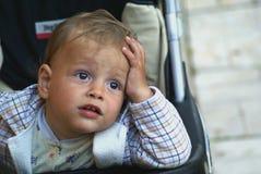 Criança de pensamento Fotos de Stock Royalty Free