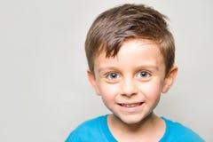Criança de Smilling imagens de stock