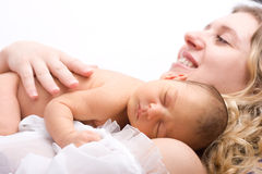 Criança de sono recém-nascida fotografia de stock royalty free