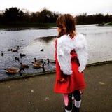 Criança do anjo imagens de stock royalty free