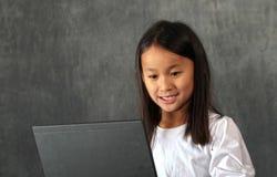 Criança do computador Foto de Stock Royalty Free