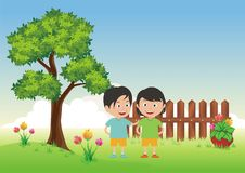 Criança dois com fundo da paisagem da natureza Foto de Stock Royalty Free