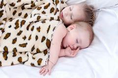 Criança dois de sono Imagem de Stock Royalty Free