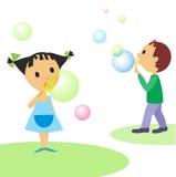 Criança-e-bolhas Fotografia de Stock Royalty Free