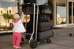 Criança e malas de viagem Fotografia de Stock Royalty Free