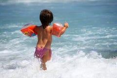 Criança e mar foto de stock royalty free