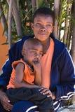 Criança e matriz africanas imagens de stock