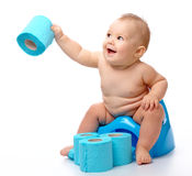 Criança em potty foto de stock