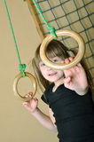 Criança em seu homegym Fotografia de Stock Royalty Free