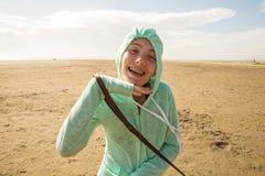 Criança engraçada na praia Imagens de Stock Royalty Free