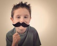 Criança feliz do bigode fotografia de stock