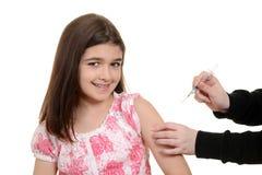 Criança feliz que obtém a injeção da imunização Imagem de Stock Royalty Free