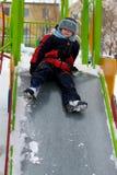 Criança na caminhada no inverno Imagens de Stock