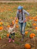 Criança na exploração agrícola Fotografia de Stock Royalty Free
