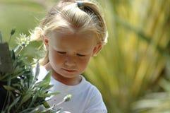 Criança na natureza Imagens de Stock Royalty Free