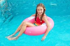 Criança na piscina Fotos de Stock