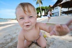 Criança na praia Imagem de Stock