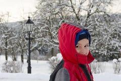 Criança no inverno foto de stock