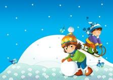 A criança no inverno no pequeno trenó Fotografia de Stock Royalty Free