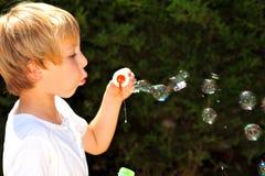 Criança no jogo imagem de stock royalty free