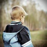 Criança perdida exterior Fotografia de Stock Royalty Free
