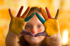 Criança pintado mão Foto de Stock Royalty Free