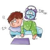 A criança que dorme em seu lettoviene acordou-o dá um alarme Fotos de Stock