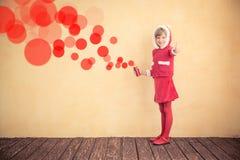Criança que faz um grafitti Imagens de Stock Royalty Free