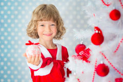 Criança que joga em casa Foto de Stock Royalty Free