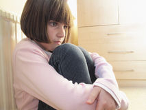 Criança que olha comprimida Foto de Stock Royalty Free