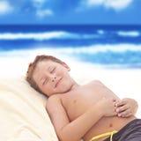 A criança relaxa Fotos de Stock