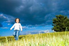 Criança Running fotos de stock