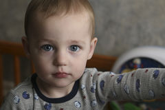 Criança séria imagens de stock royalty free